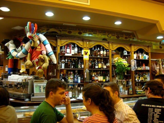 Decoración del Bar Casa Pepe