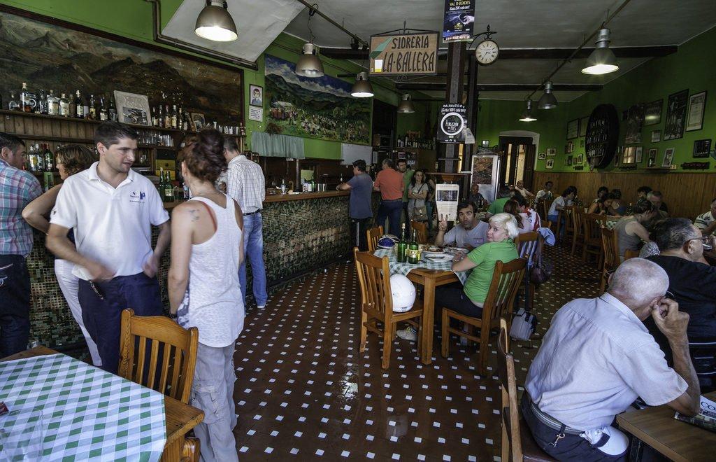 Donde comer en Villaviciosa (Asturias) : Sidrería-Restaurante La Ballera