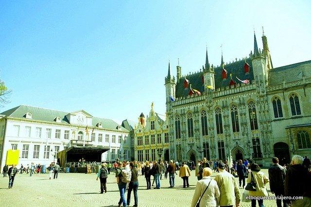 Plaza de Burg en Brujas, Bélgica