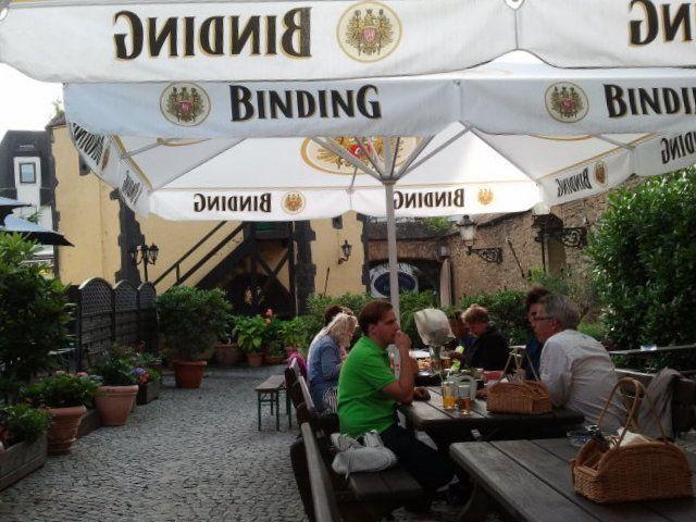 Terraza Sachsenhäuser Warte Restaurant