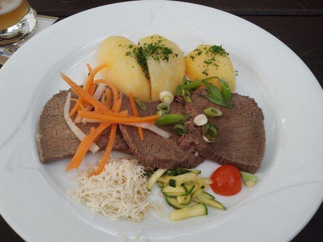 Platos de la carta de Sachsenhäuser Warte Restaurant