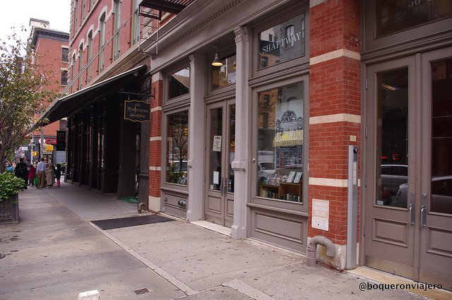 NYC Bookstores: The Mysterious Book