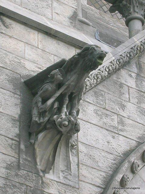 Gárgola de la Catedral de Finbarre en Cork, Irlanda