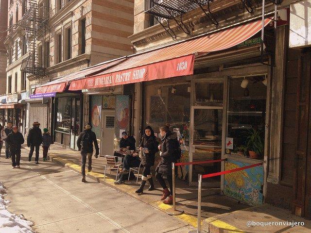 Exterior de Hungarian Pastry Shop, Nueva York