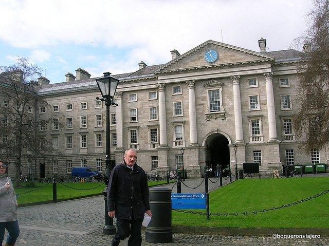 Arco de entrada a Trinity College, Dublin