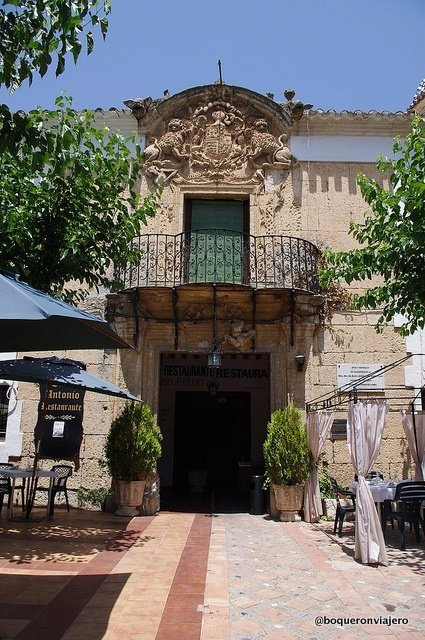 Entrance to Casa Antonio in La Roda de Albacete