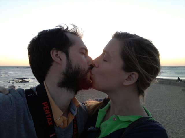 Pedro y Abby en el atardecer de Cádiz desde La Caleta