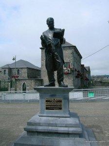 Michael Hogan, estatua en  Limerick