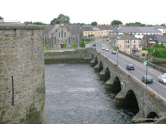 Vistas desde el Castillo de St John en Limerick