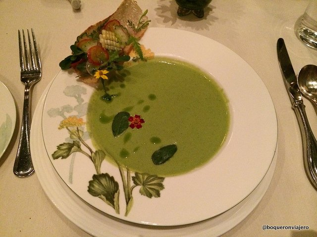 Sopa fría de calabacín en Restaurante Bondir Concord