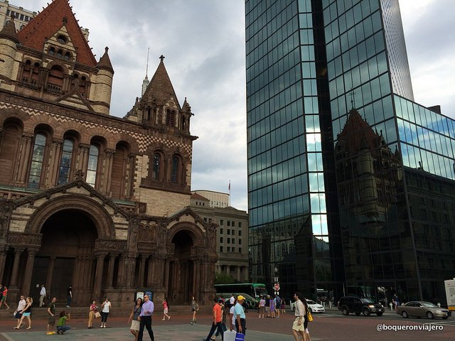 Trinity Church y Hancock Tower en Boston
