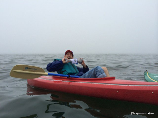 Pedro haciendo kayak en Maine