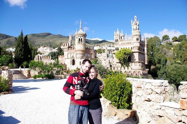 Pedro y Abby en el Castillo de Colomares, Benalmádena, Málaga