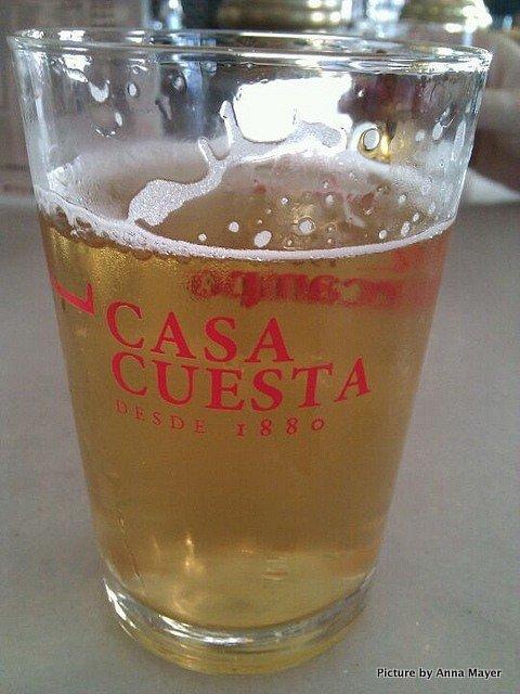 Cerveza en Casa Cuesta, Sevilla