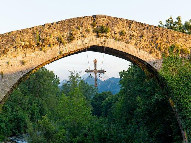 Puente Romano de Cangas de Onís en Asturias