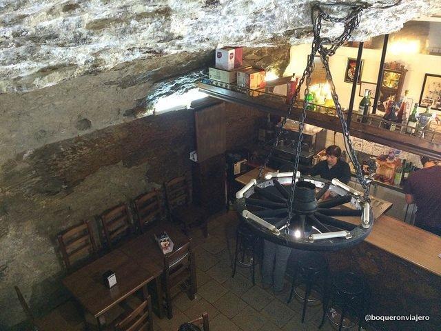Bar dentro de una roca en Setenil de las Bodegas