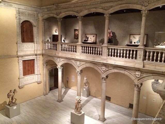 The met and the cloisters in nyc two impressive collections for Sala new york