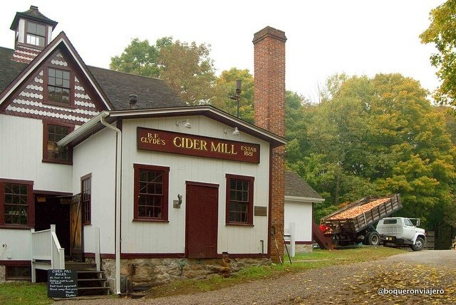B.F. Clydes Cider Mill, Mystic
