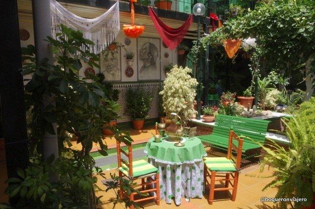 """Central patio in the """"Casas Corralones"""" in Málaga"""