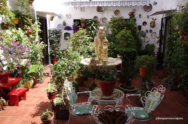 Las Casas Corralones de Málaga de Trinidad y Perchel; Maravillosos Patios