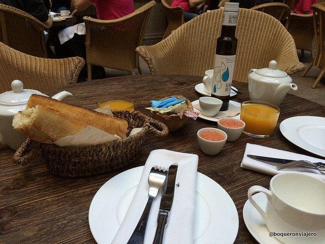 Having breakfast at the Hotel Palacio Carvajal Giron Plasencia