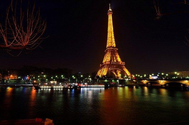 París de Noche; Un Paseo por las Maravillosas Calles Parisinas Iluminadas
