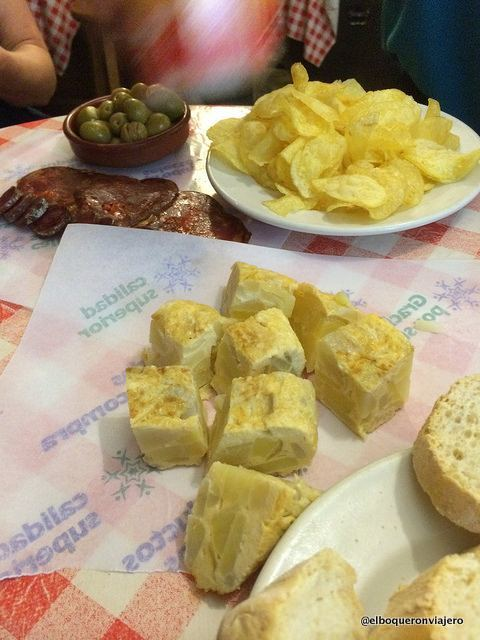 Tortilla de Patatas de la Esquinita del Chupa y Tira