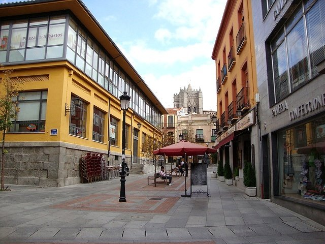 Walking through the streets of Avila