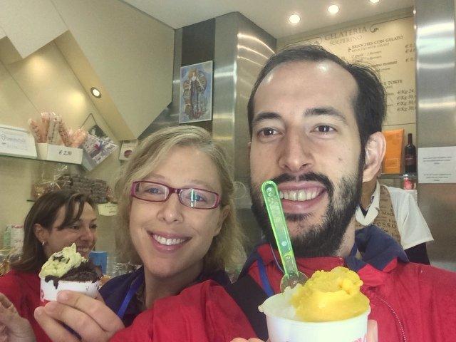 Disfrutando de los helados