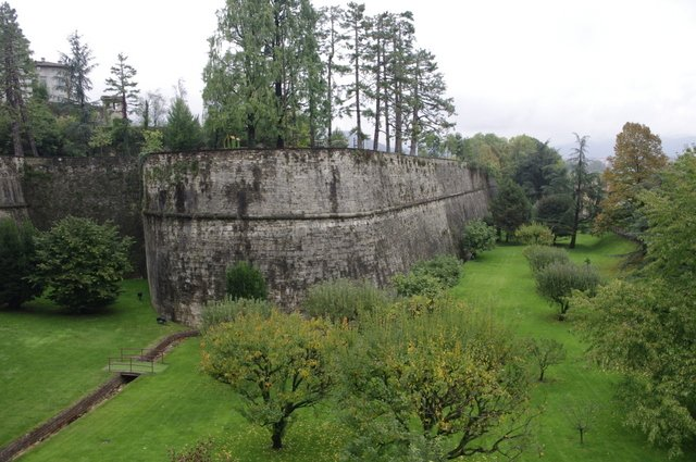 Views of the wall of Bergamo