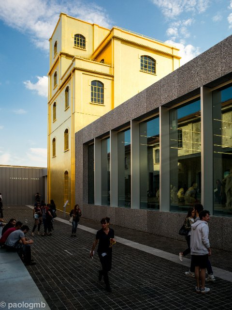 The Golden Tower of the Fondazione Prada in Milán