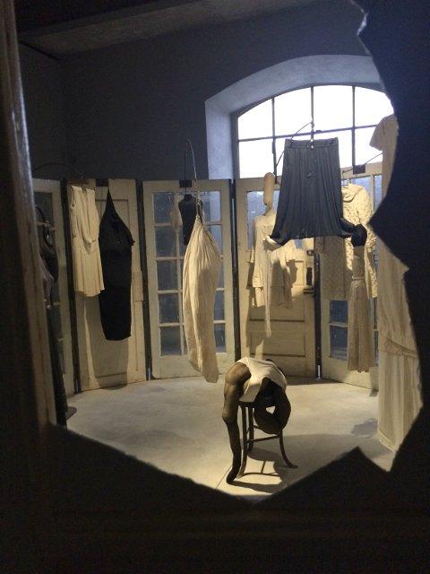 Obra de Louise Bourgeois en Fondazione Prada, Milán