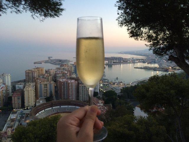 Este San Valentín en Málaga brinda desde el Parador de Gibralfaro