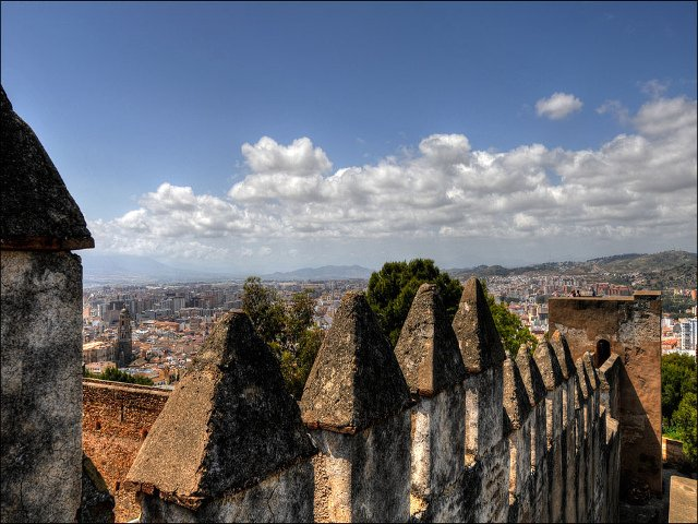 Can you imagine these romantic views for Valentine's Day in Málaga? These are from Gibralfaro Castle in Málaga.