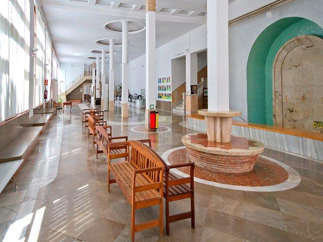 Salón de Manantiales en el Balneario de Lanjarón
