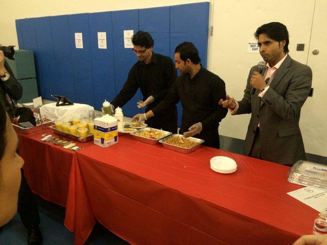 Probando la comida india en el New York Travel Festival 2016