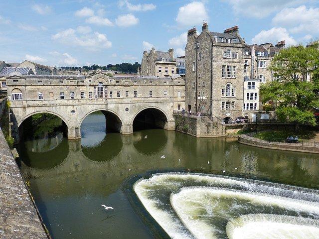 Una escapada desde Londres de un día es el precio pueblo Bath