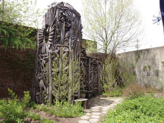 Estructuras de madera Museo de Arte Visionario Americano