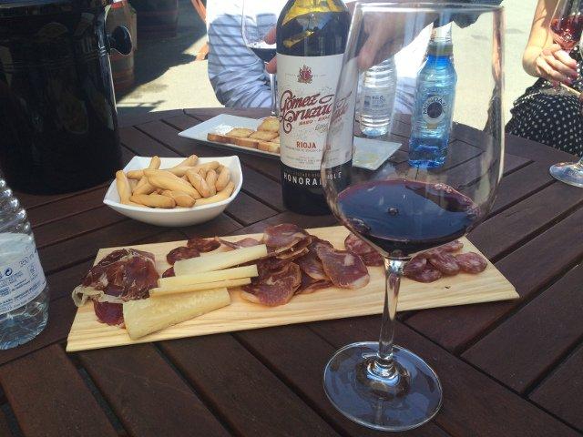 Bodegas Gómez Cruzado wine tasting and aperitif with Thabuca Wine Tours