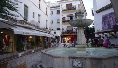 Plaza de los naranjos Kava Marbella
