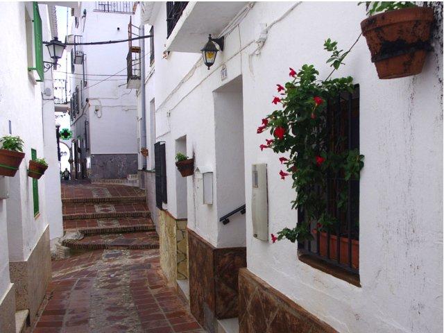 Visitando el pueblo de Comares durante nuestras vacaciones en casa