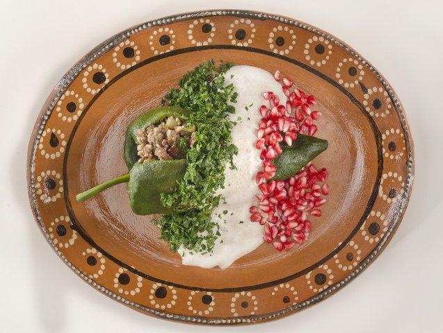 Chiles en nogada, un plato tradicional de la cocina mexicana