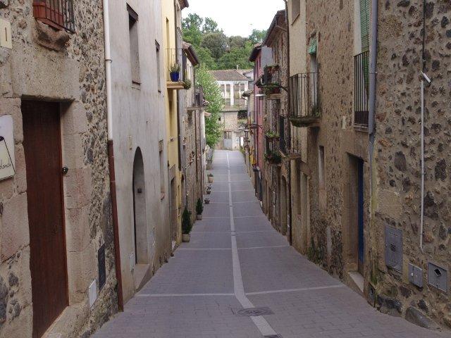 Paseando por las calles de Santa Pau La Garrotxa