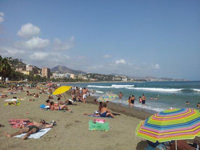 La playa es una buena forma de relax durante la feria de Málaga