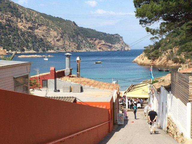 Llegando al Restaurante Toc al Mar en Begur