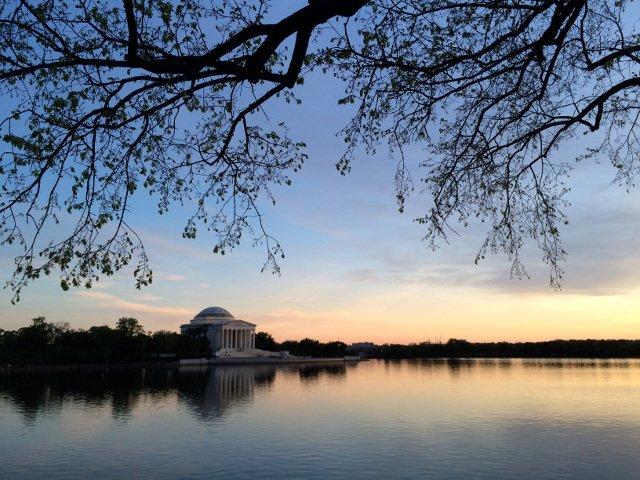 Tidal Basin y memorial a Jefferson en Washington DC