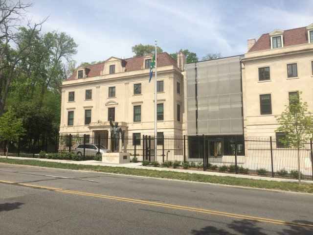 Calle de las embajadas en Washington DC
