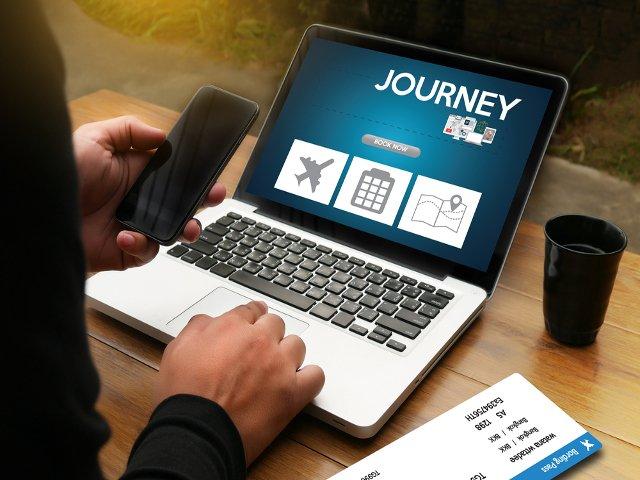 Los españoles que van a Estados Unidos organizan sus viajes en internet