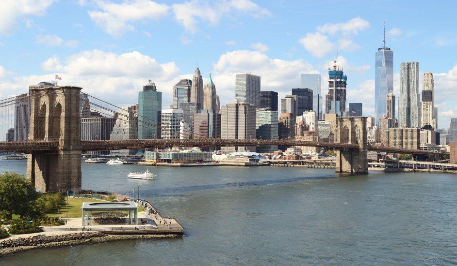 Portada skyline de Nueva York un destino popular para los españoles