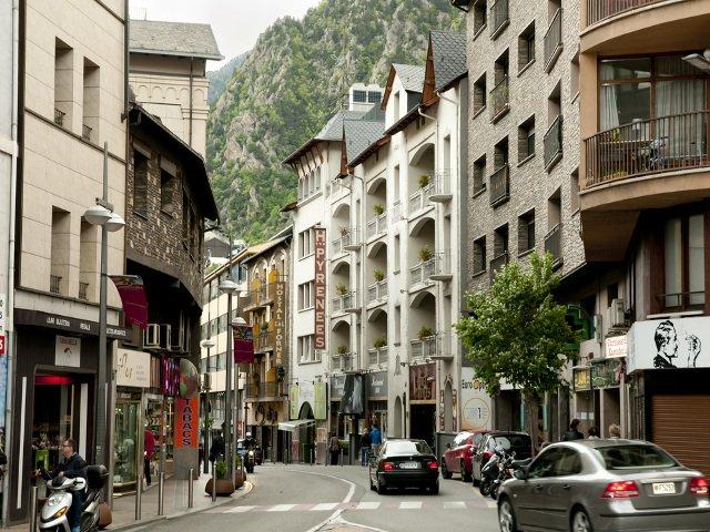 De compras en la capital de Andorra